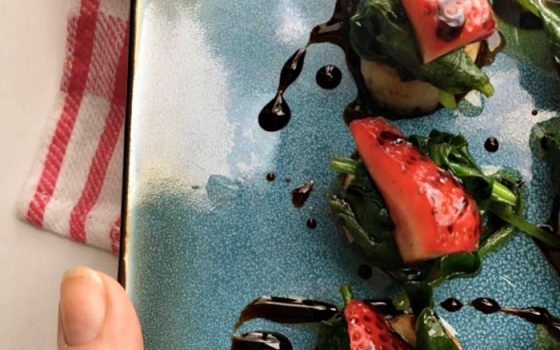 Scallops, Spinach & Strawberries With Balsamic Syrup