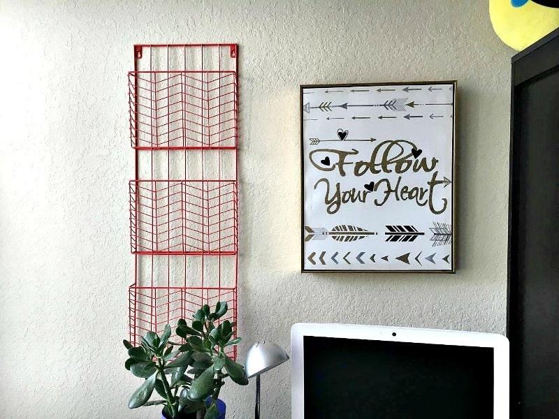 DIY Chalkboard Surface Desk For Back To School