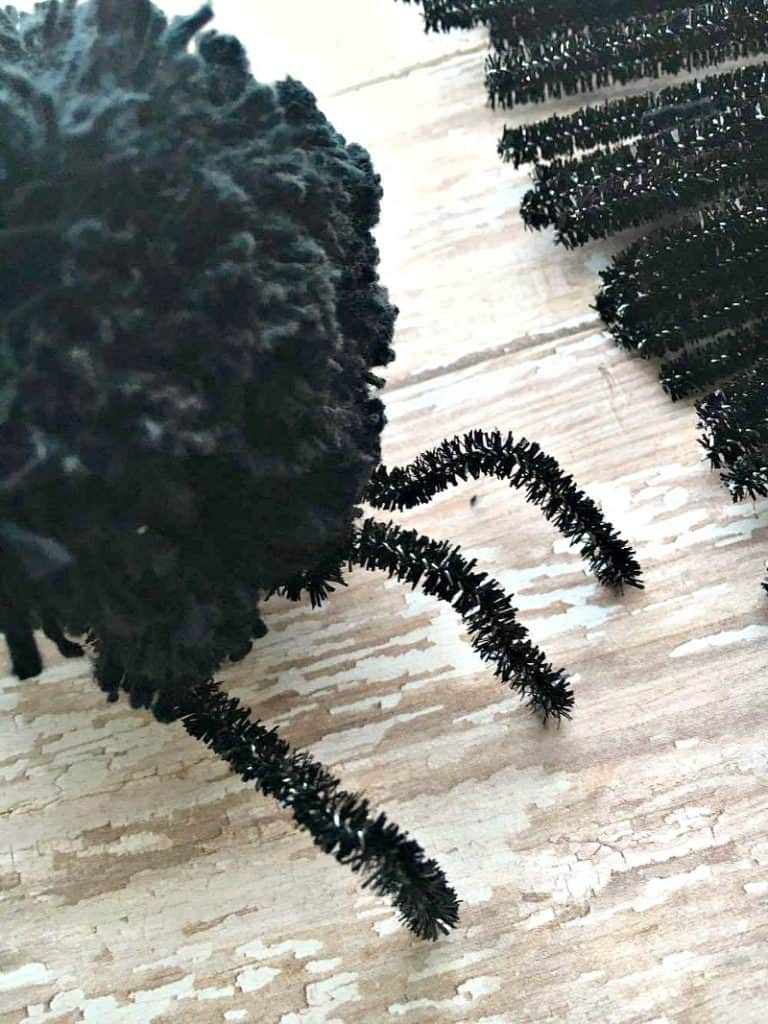 DIY Pom Pom Halloween Decorations