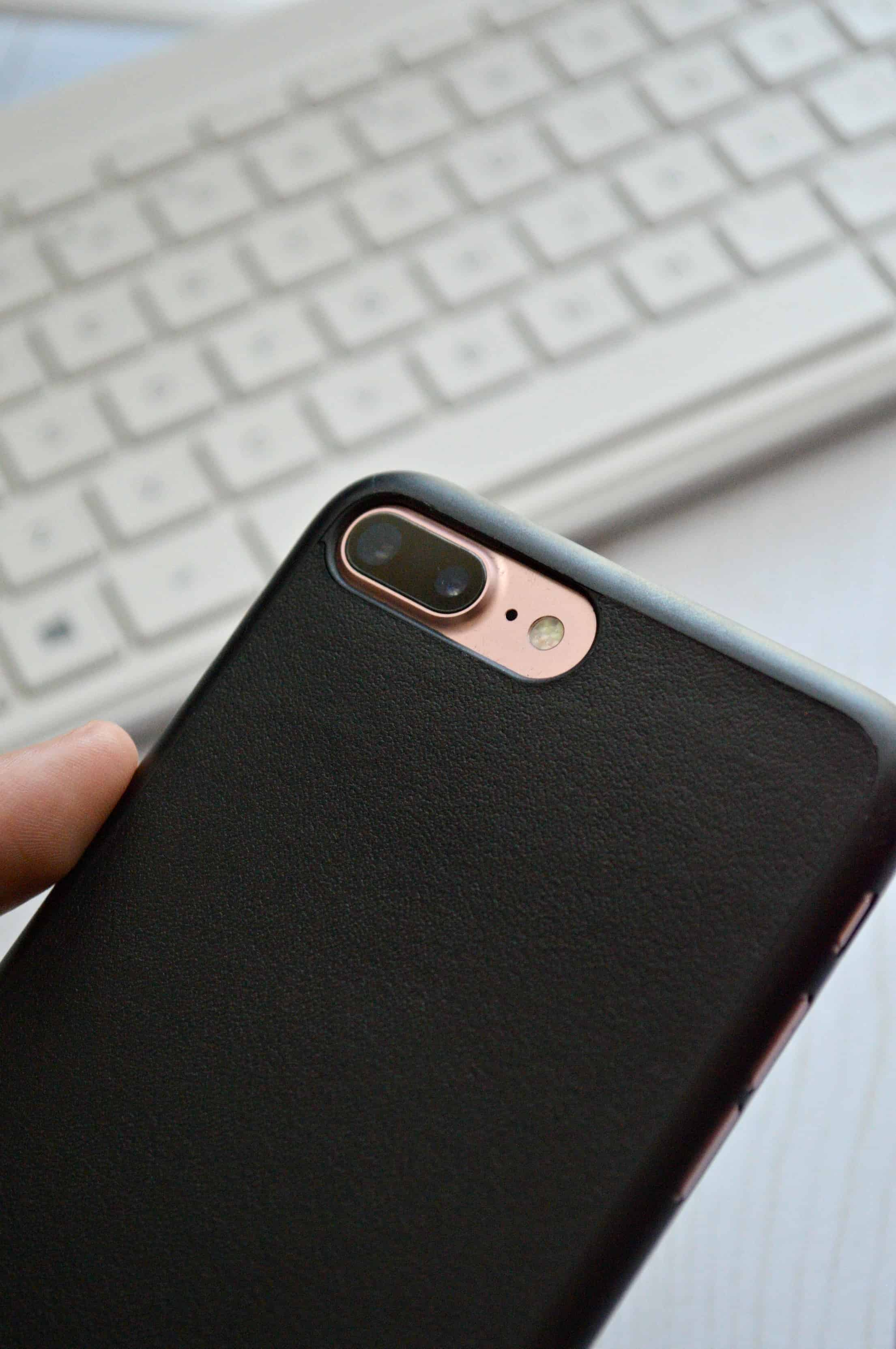 Review: The World's Thinnest Leather Case