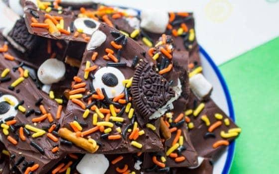 Easy To Make Halloween Bark