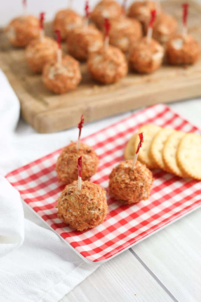 Bacon Cheeseball Bites