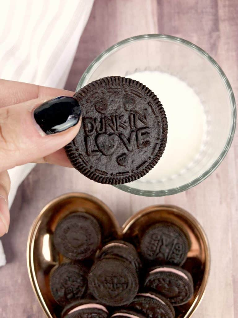 Celebrate This Valentine's Day With OREO!