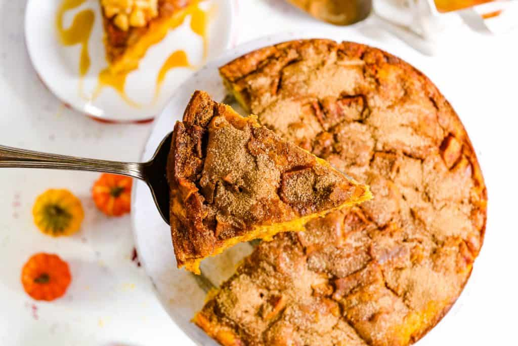Classic Pumpkin Apple Cake