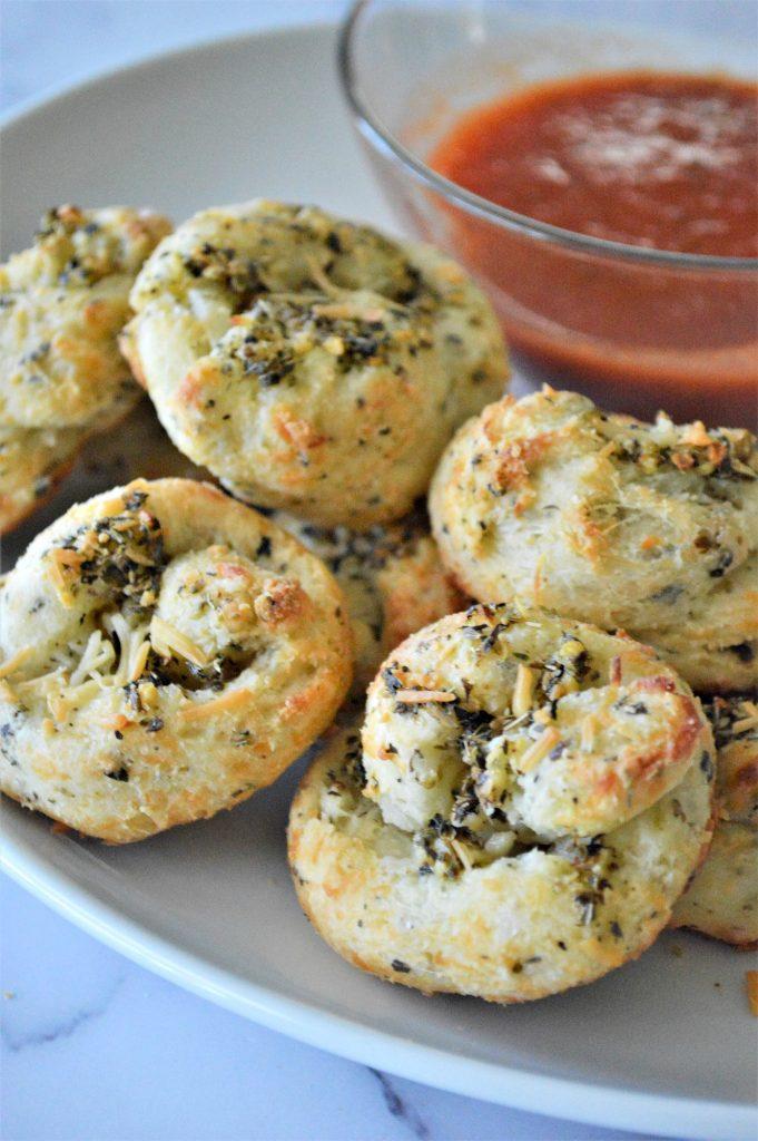 Easy Keto Garlic Knots Recipe