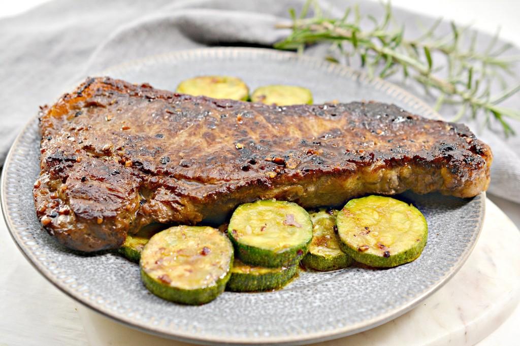 Keto Garlic Butter Steak With Zucchini