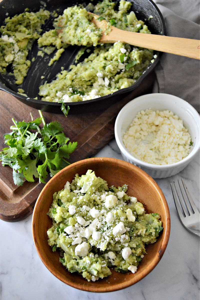 Cilantro Lime Cauliflower Rice With Avocado