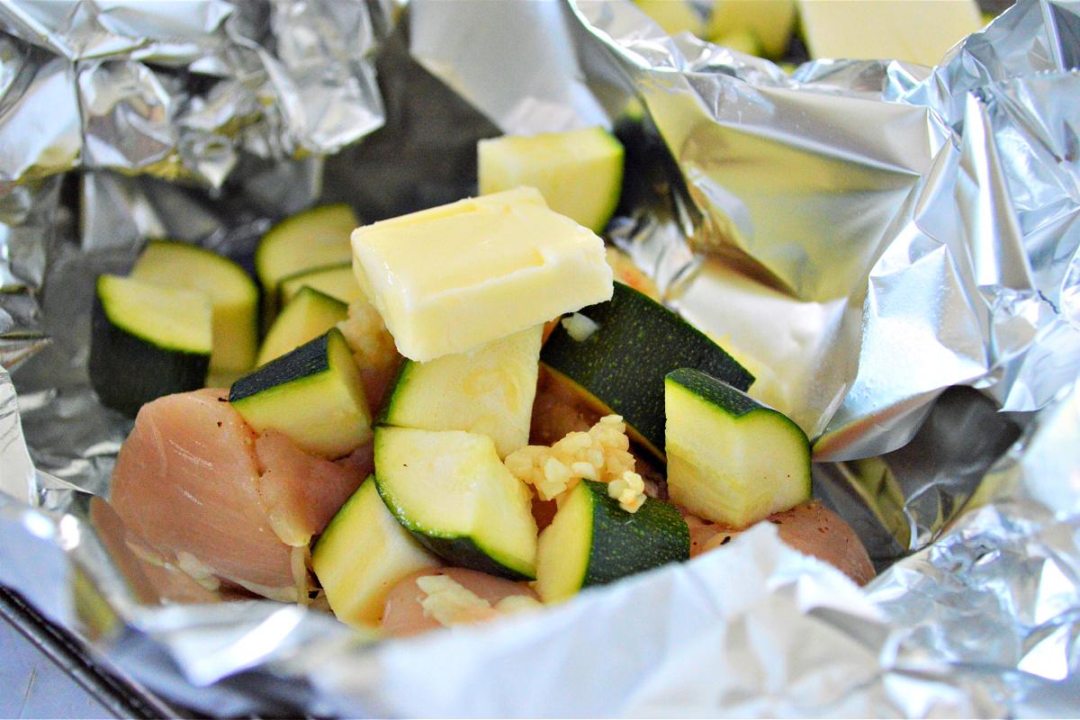 Garlic Butter Chicken Foil Packets
