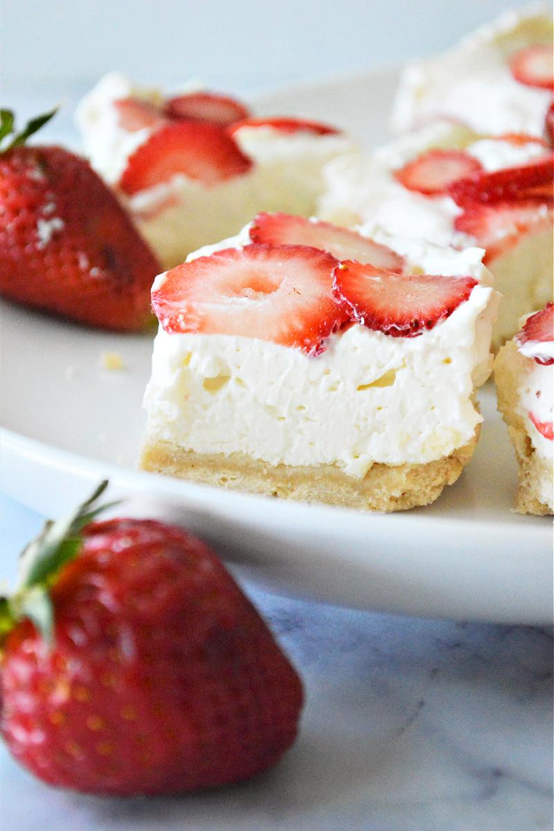 Low Carb No Bake Strawberry Cheesecake Bites