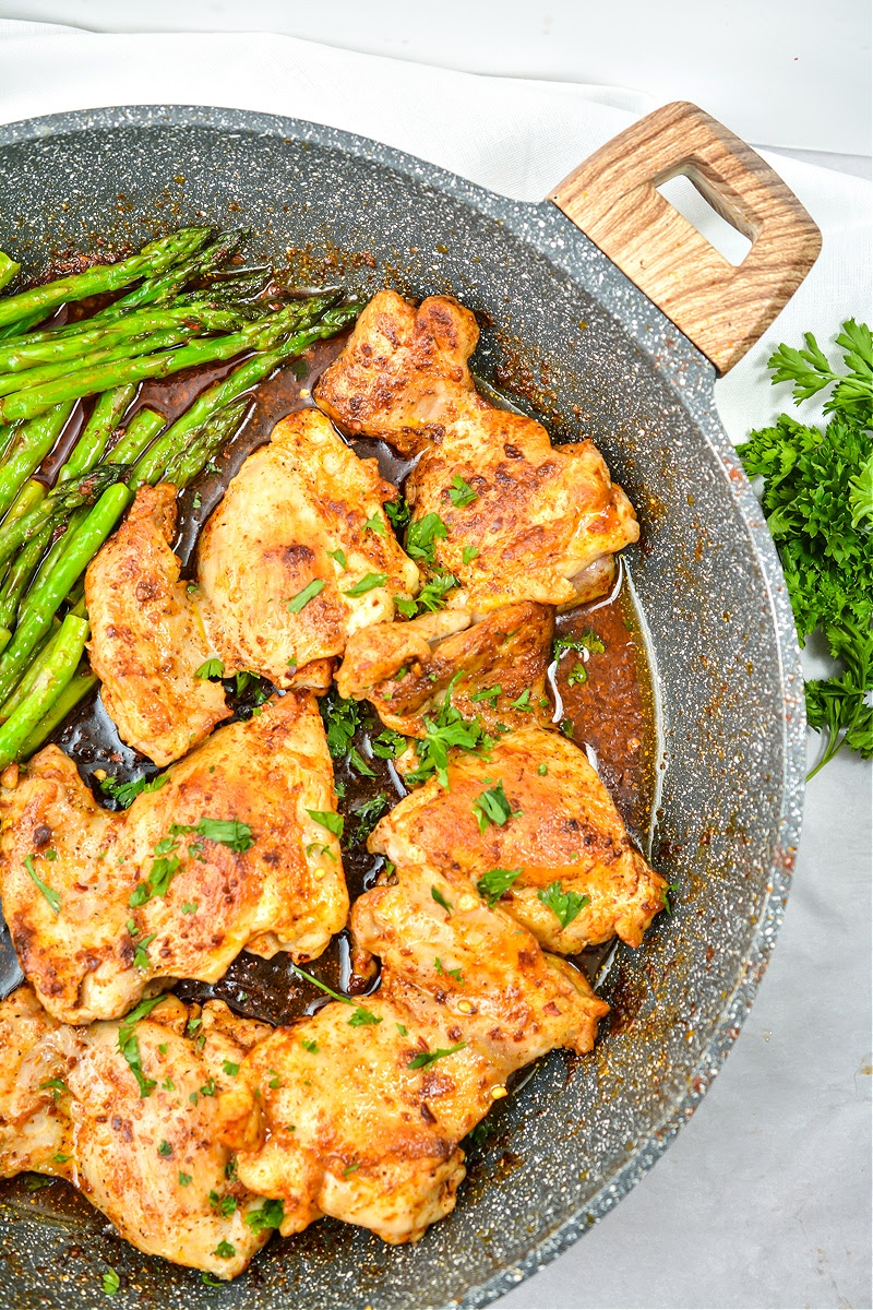 Keto Garlic Butter Chicken Thighs and Asparagus